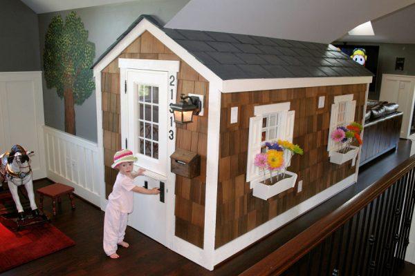 0615_playhouse_exterior